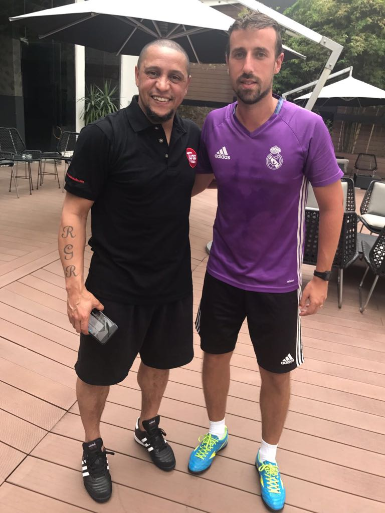 Alan with Roberto Carlos in KL!